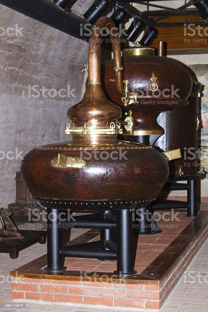Fábrica de destilación de coñac - foto de stock