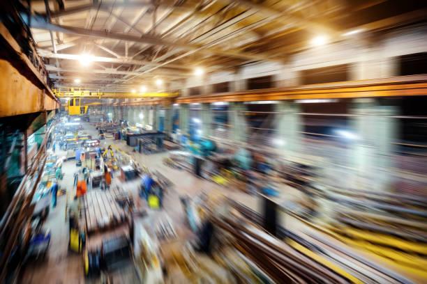 Fabrikladen. Abstrakte Industrieerfahrung, Bewegungsunschärfe Effekt – Foto