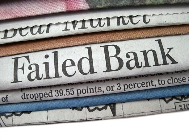 Failed Bank Headline Newspaper headline Failed Bank bailout stock pictures, royalty-free photos & images