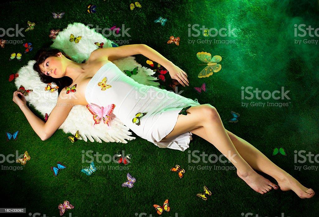 Fairy otoczony motyle – zdjęcie