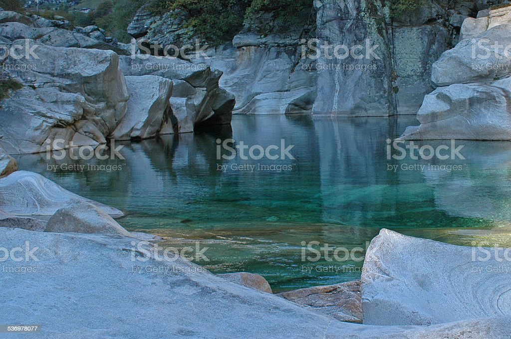 Märchenlandschaft - Felsformationen im Verzasca Bergbach stock photo