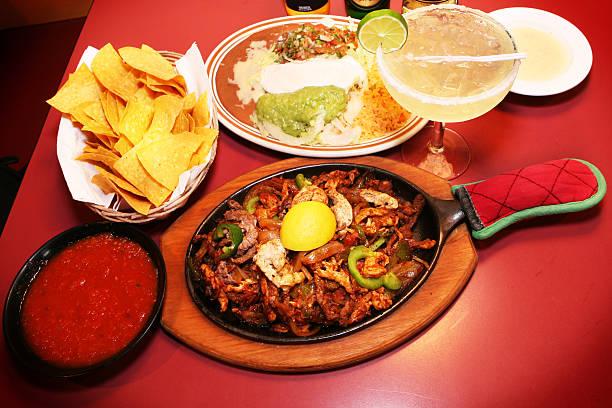 Fajitas und Margarita-mexikanische Küche – Foto