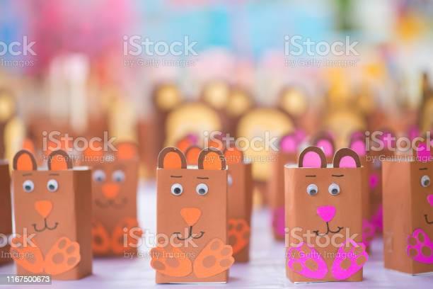 Fake cartoon mouse made from milk box picture id1167500673?b=1&k=6&m=1167500673&s=612x612&h=yl6ik0fnp qamhvh2uo7piwkwnyvzvsnhstgsirb wo=