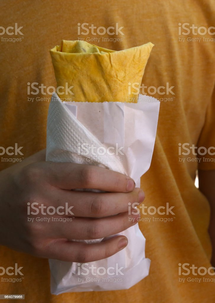 falafel with vegetables lavash vegan wrap in hand - Royalty-free Appetizer Stock Photo