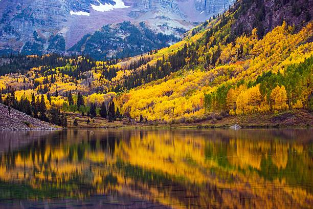 Fall in the Colorado Fall in the Colorado, Maroon Lake and Colorful Forest. Yellow Aspen Trees. Aspen, Colorado, USA. vail colorado stock pictures, royalty-free photos & images