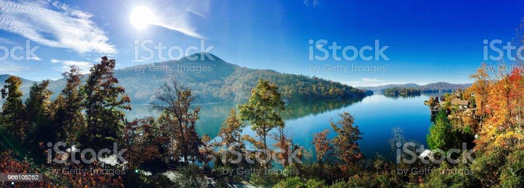 Hösten Lake - Royaltyfri Berg Bildbanksbilder