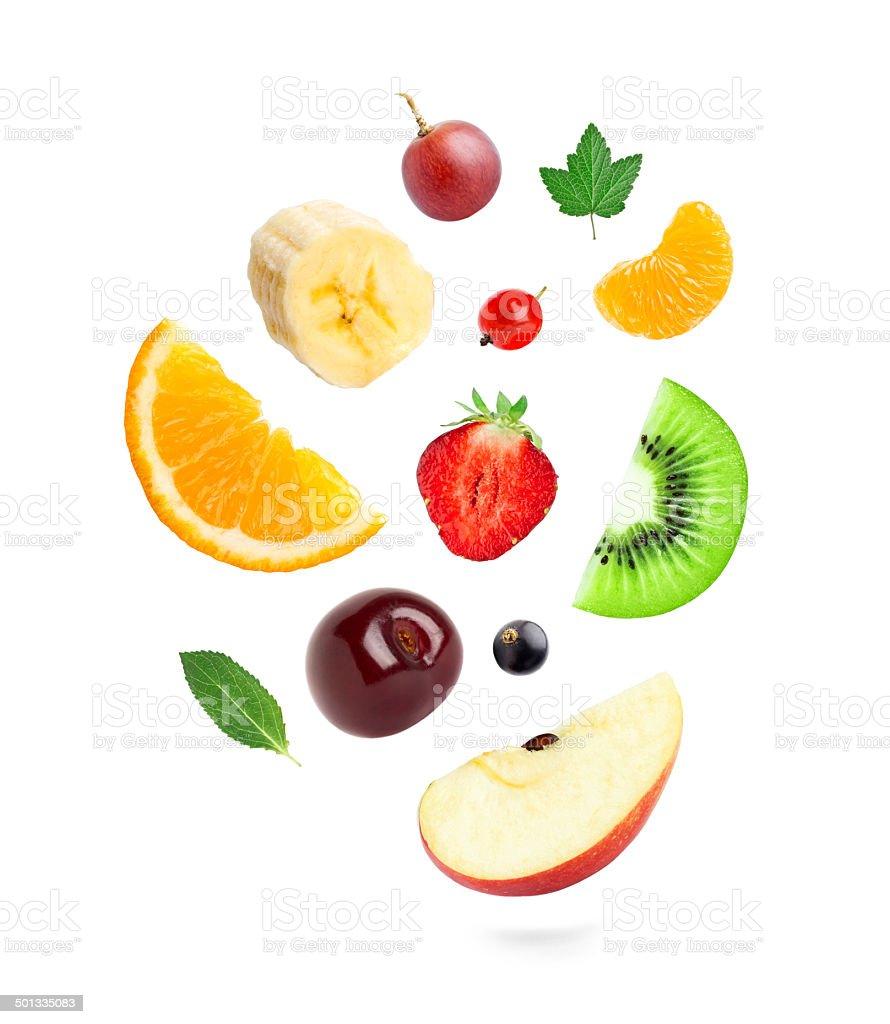 Fallenden frische Früchte und Beeren – Foto