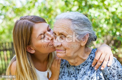 istock Familiy time - kiss 846436140
