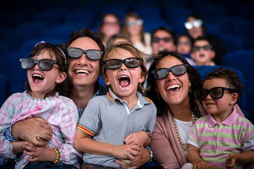 istock Family at the cinema 524859099