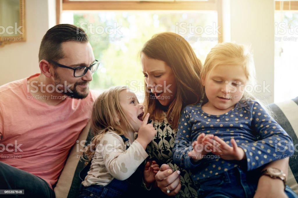 Famille avant toute chose - Photo de Activités de week-end libre de droits