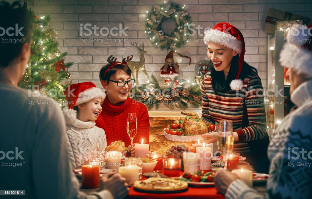 La famille fête Noël. - Photo