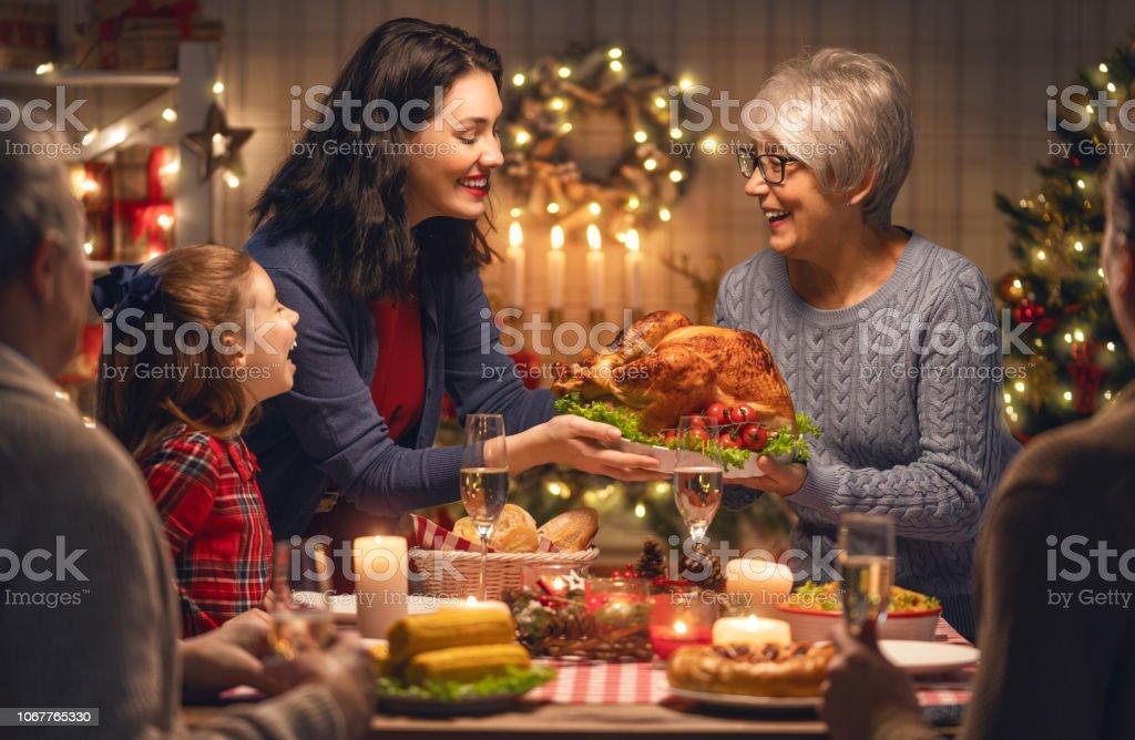 Familie Weihnachten zu feiern – Foto