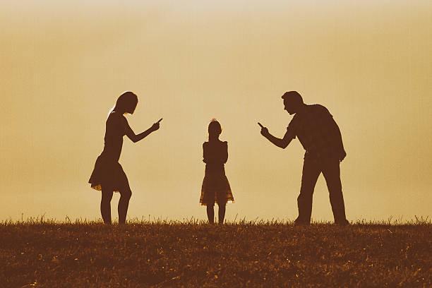 familie-konflikt  - fails zum thema eltern stock-fotos und bilder
