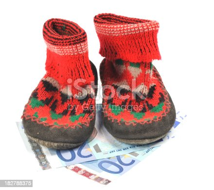 istock family  credit in shoes - euro 182788375