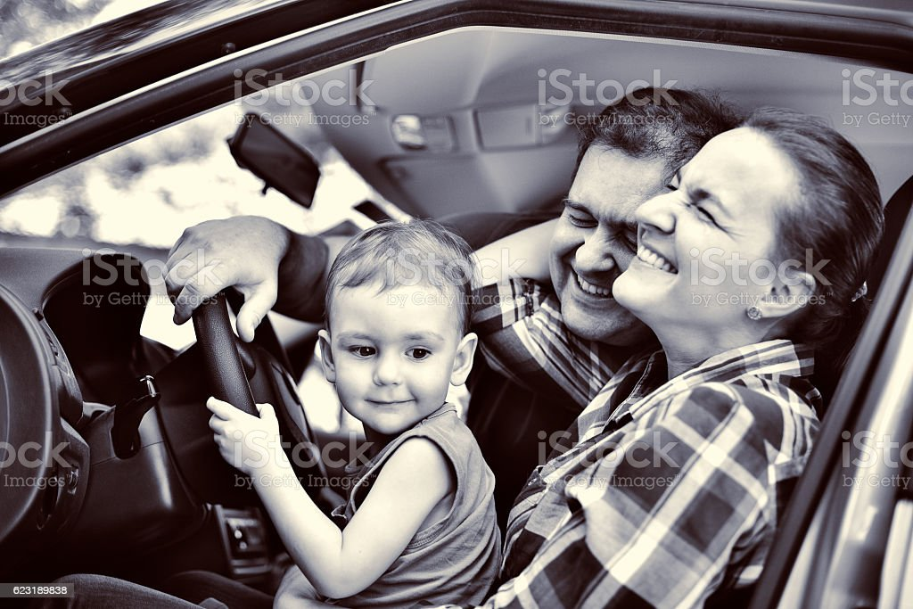 family driving. mother, father and son. – Foto