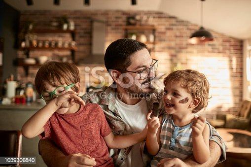 istock Family enjoying breakfast 1039306840