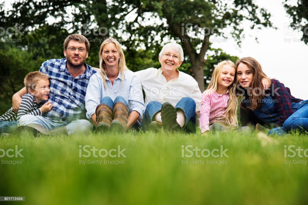 Family Generations Parenting Togetherness Relaxation Concept - foto stock
