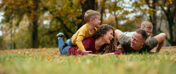 Familie Spaß im park – Foto