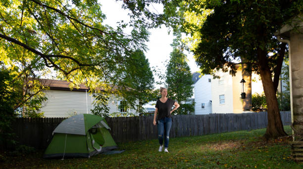Familie mit Sommerzeit Spaß zusammen in ihrem Hinterhof – Foto