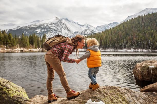 Familie im Rocky Mountains Nationalpark in USA – Foto