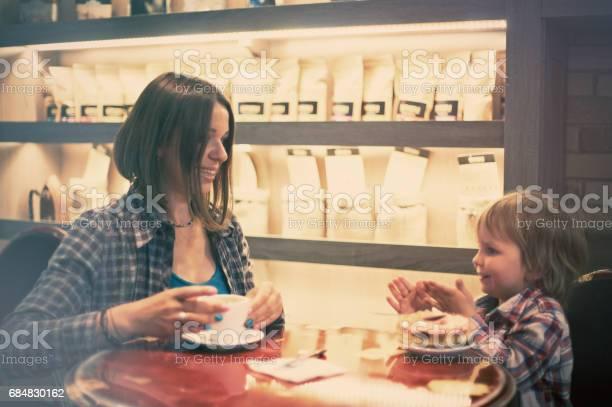 Family in the cafe picture id684830162?b=1&k=6&m=684830162&s=612x612&h=m1izx3pllhid4z zap nn8vp5kdktxlfmxktm xlig4=