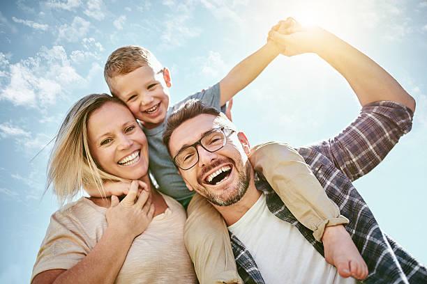 famiglia è tutto  - couple portrait caucasian foto e immagini stock