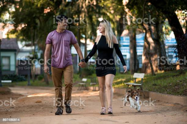 Family moments in the park picture id897486814?b=1&k=6&m=897486814&s=612x612&h=bvqxzucfrukbujeolrmqzokbc7rhviwlbcsiqthyk4u=