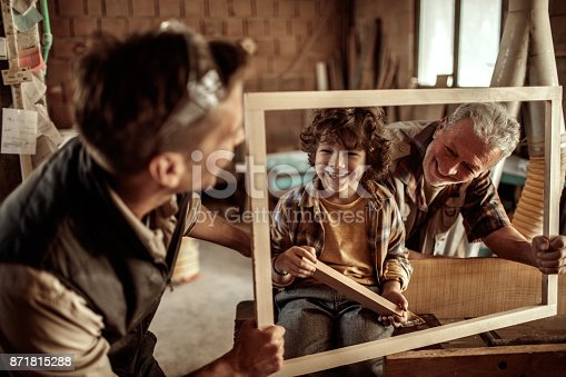 istock Family of carpenters 871815288