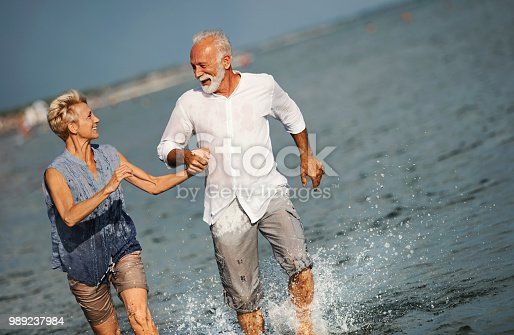 istock Family on a vacation. 989237984