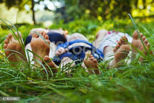 istock family outdoors 478004601