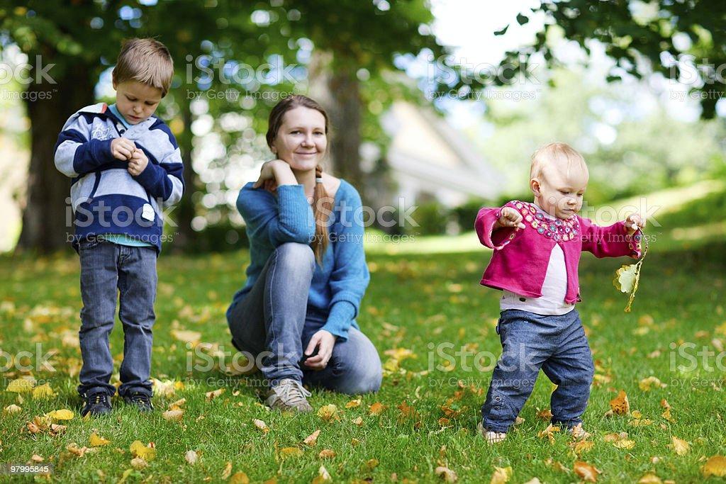 Family outdoors royalty free stockfoto