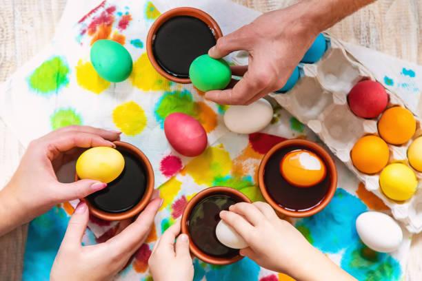 Family paints easter eggs selective focus celebration picture id1133382524?b=1&k=6&m=1133382524&s=612x612&w=0&h=xuo3xb8zxddwmprrafztjfcf pgatnsdud8sdjvrrrq=