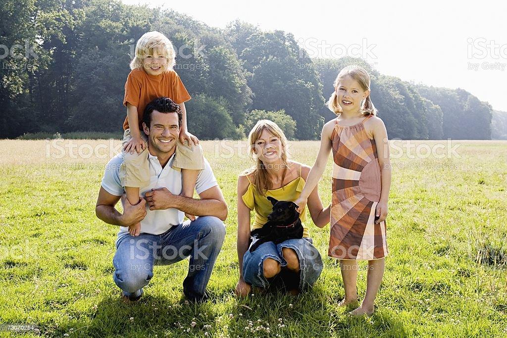 Retrato de família foto de stock royalty-free