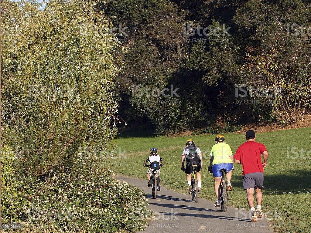 Family riding bikes - Royalty-free Activity Stock Photo