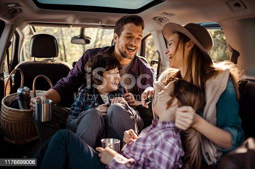 930810564istockphoto Family Road Trip 1176699006
