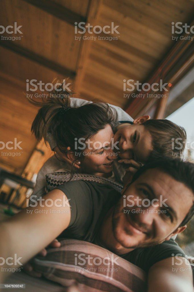 Familie Selfie aus dem Winterurlaub – Foto