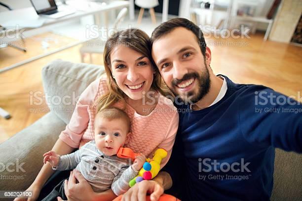 Family selfie picture id636207100?b=1&k=6&m=636207100&s=612x612&h=es2ww8dkow fgroahkepusztwg3zew gbu9pyy6gczi=
