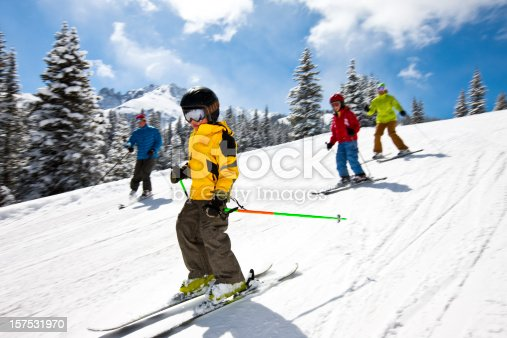 istock Family skiing 157531970