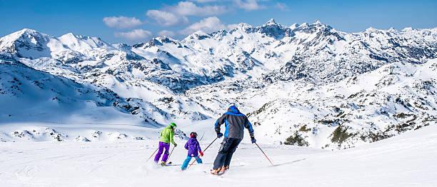 Family skiing picture id619088040?b=1&k=6&m=619088040&s=612x612&w=0&h=i 7pp30r31d0 yipqrbw6smni8bup1lm7qza5cwth9e=