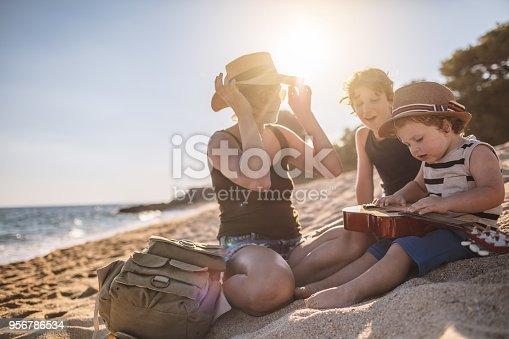 656711080 istock photo Family summer vacation 956786534