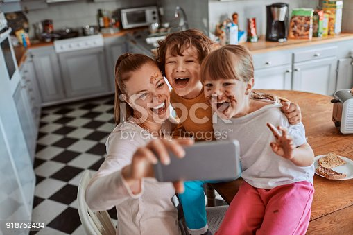 894071774 istock photo Family taking a selfie 918752434