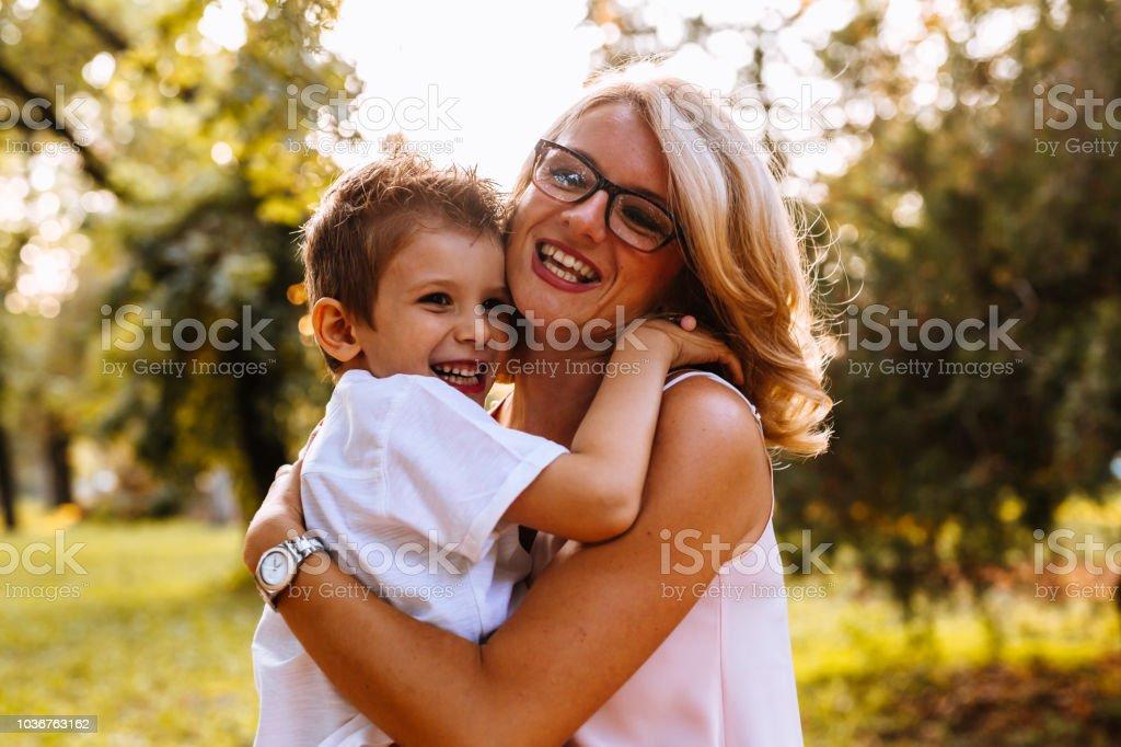 moments en famille dans le parc - Photo