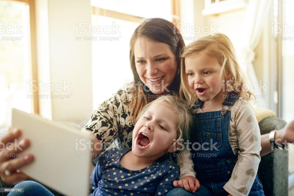 Family time is selfie time zbiór zdjęć royalty-free