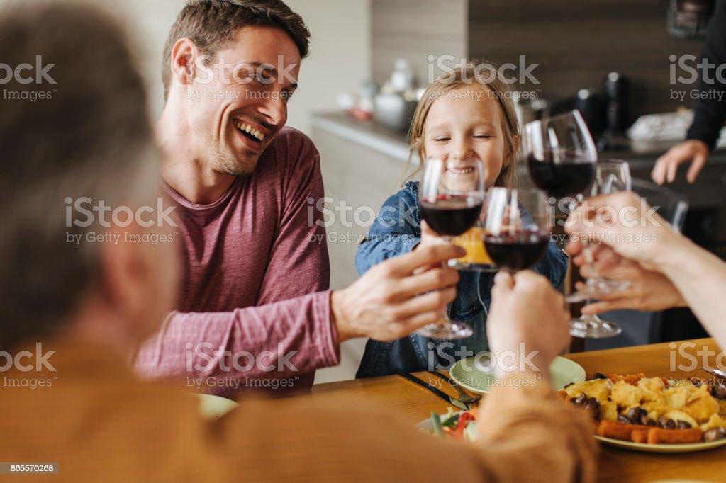 Famille toast! - Photo