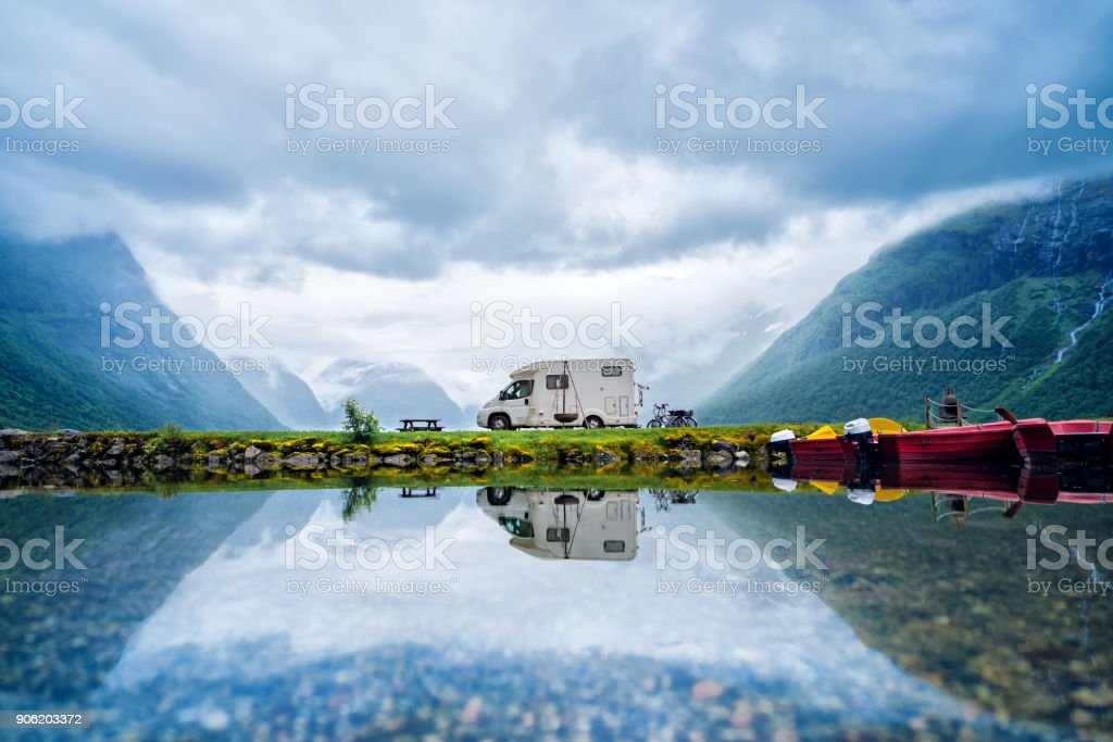 Urlaub mit der Familie reisen RV, Urlaub im Wohnmobil – Foto