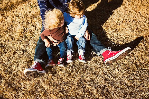Família com calçados compatíveis - foto de acervo