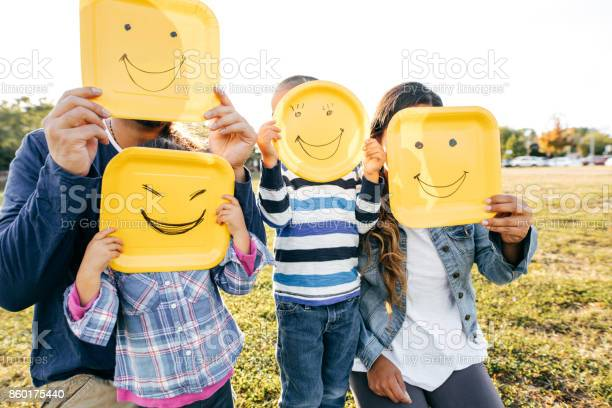 Family with two kids picture id860175440?b=1&k=6&m=860175440&s=612x612&h=ekmxbzsf2xac7urr01u1ifhapm4xdbqstl3txjzxp i=