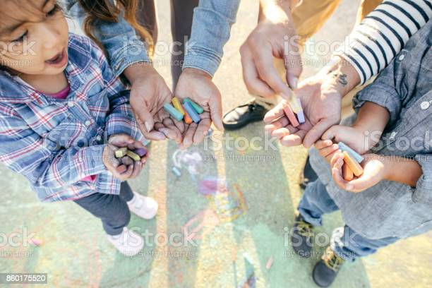 Family with two kids picture id860175520?b=1&k=6&m=860175520&s=612x612&h=zwteri4pbit0w6szpmcatziakq2fymppshplwhluljs=