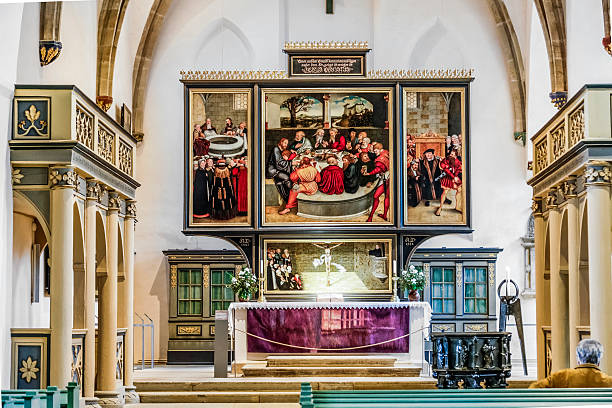 famous altar from lucas cranach in the civic church - luther wittenberg stock-fotos und bilder