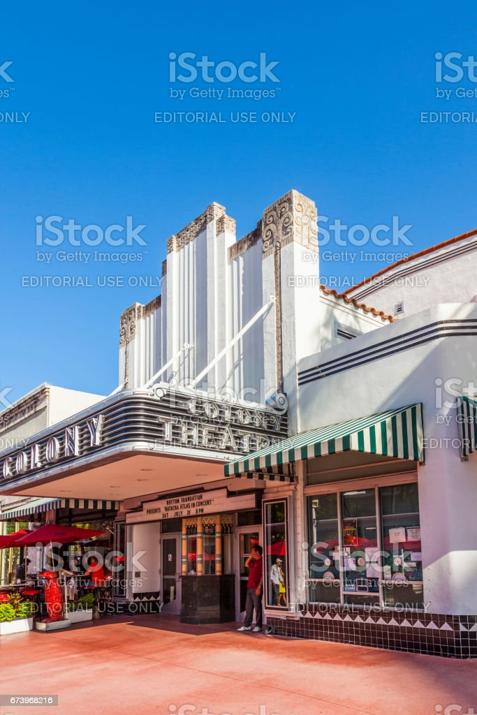 famous colony art deco theater in lincoln road south beach